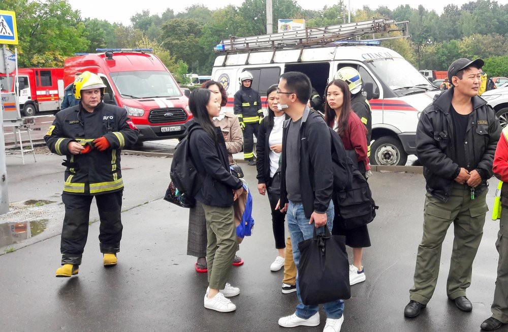 Китайские туристы после ДТП