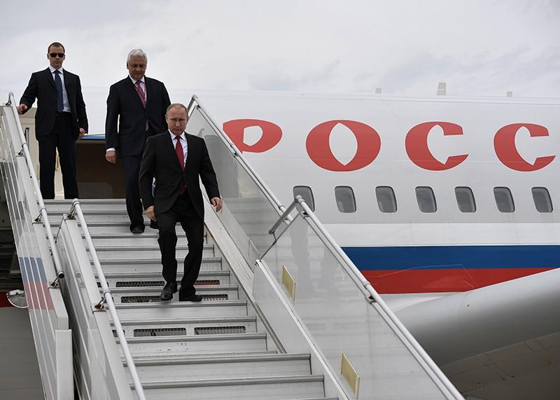 Рабочий визит Владимира Путина во Францию