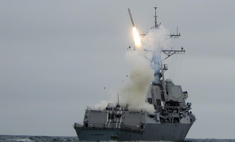 Пуск ракеты с борта корабля ВМС США