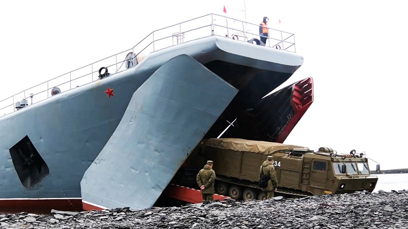 """Высадка зенитных ракетных комплексов """"Тор-М2ДТ"""""""