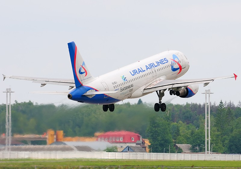 """Самолёт Airbus A320 авиакомпании """"Уральских авиалиний"""""""
