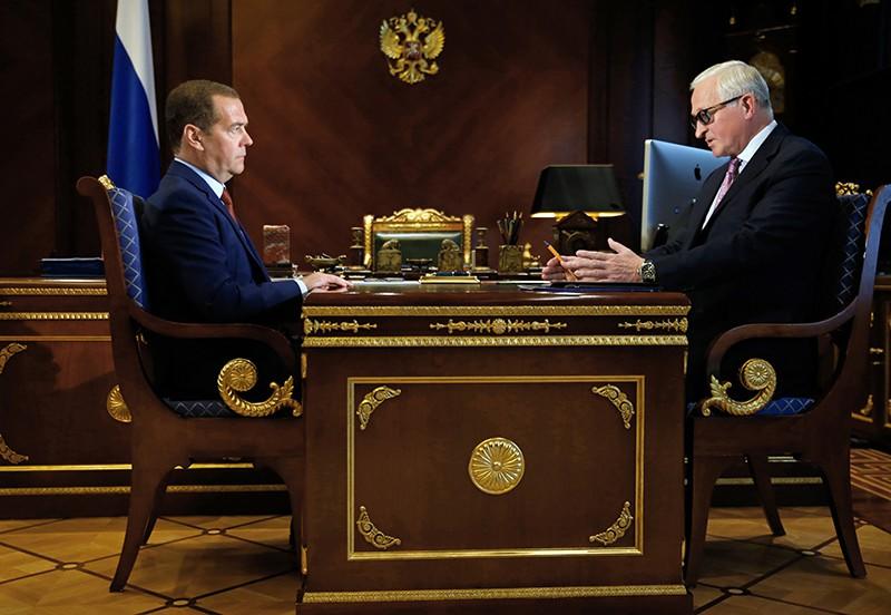 Дмитрий Медведев и президент Российского союза промышленников и предпринимателей (РСПП) Александр Шохин
