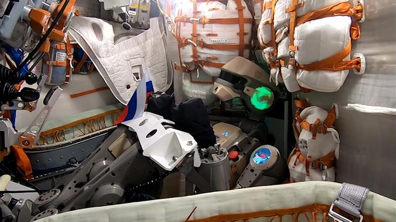 "робот Skybot F-850 (робот ""Федор"") на  борту корабля ""Союз МС-14"""