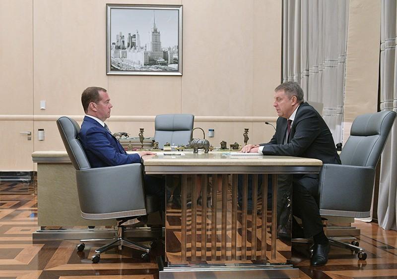 Председатель правительства РФ Дмитрий Медведев и губернатор Брянской области Александр Богомаз