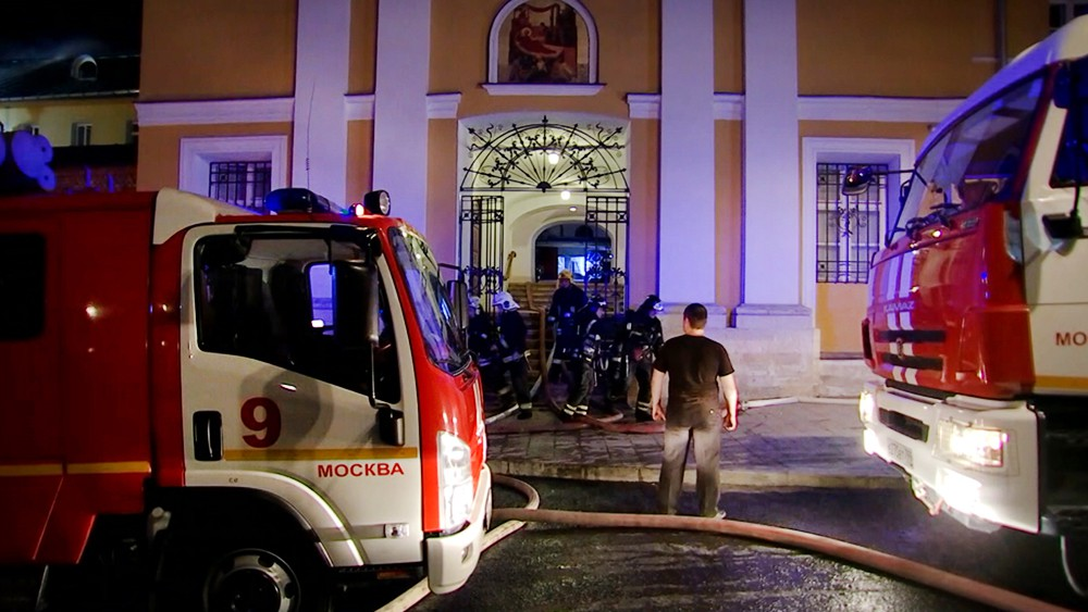 Пожар в Рождественском монастыре в Москвы