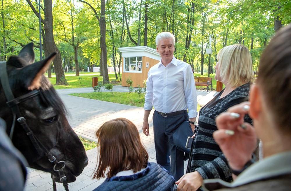 Сергей Собянин общается с горожанами