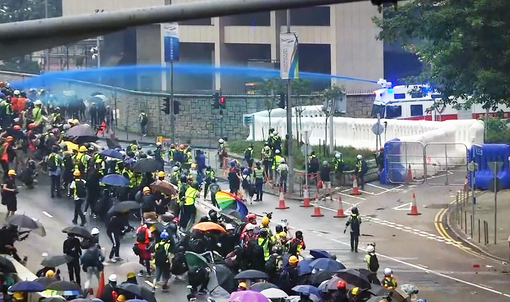Уличные беспорядки в Гонконге