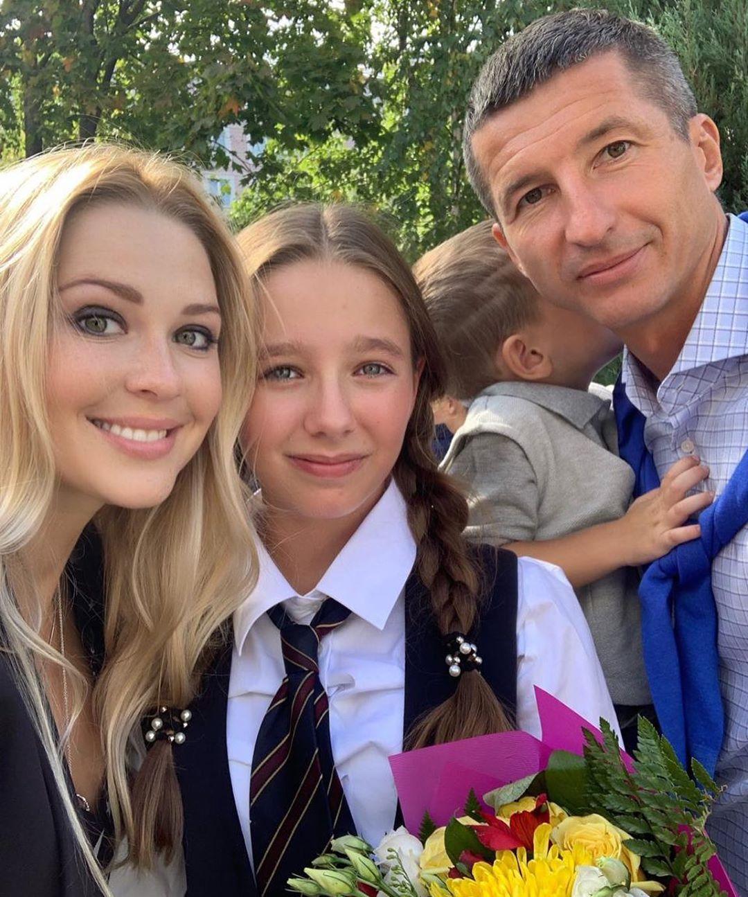 Дочь Началовой встретила первое сентября без мамы и расплакалась