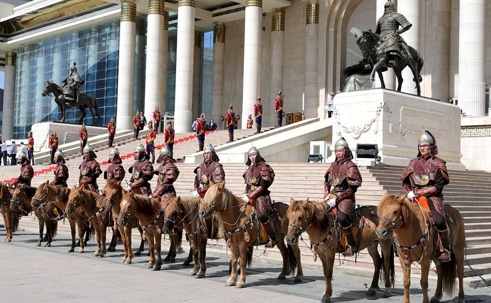 Церемония официальной встречи лидеров России и Монголии