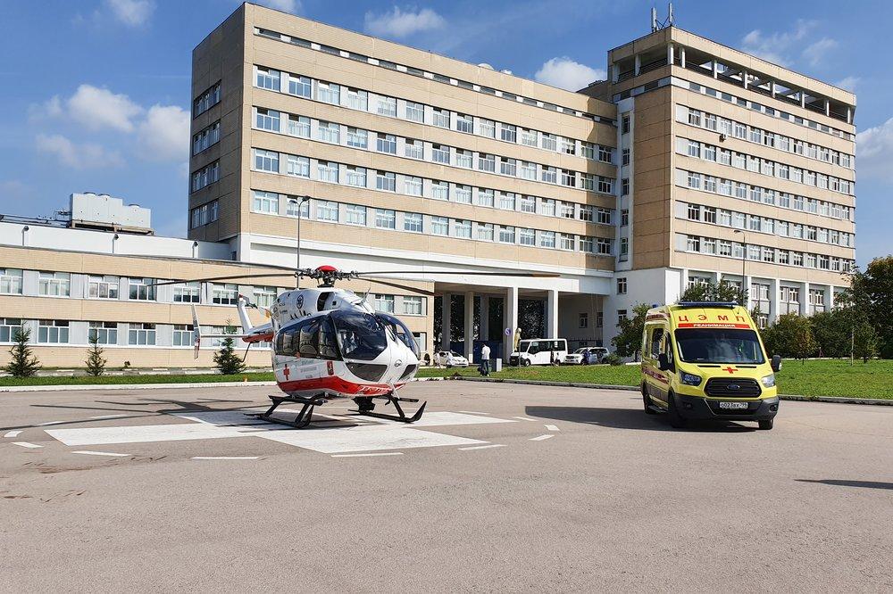 Дежурство экипажа санитарного вертолета Московского авиационного центра (МАЦ)