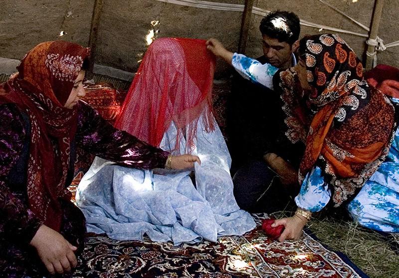 Подготовка к свадьбе в Иране