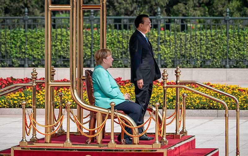 Премьер Госсовета КНР Ли Кэцян и канцлер Германии Ангела Меркель