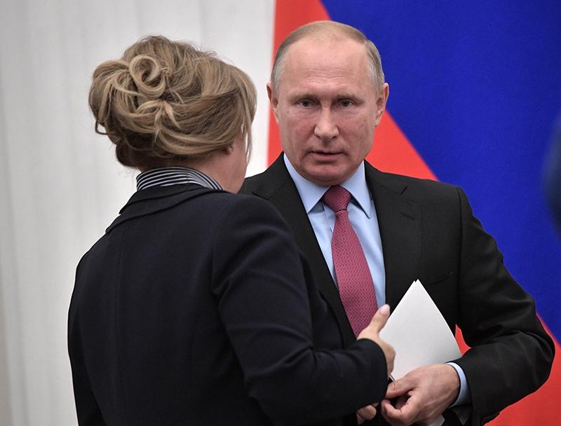Владимир Путин и Элла Памфилова