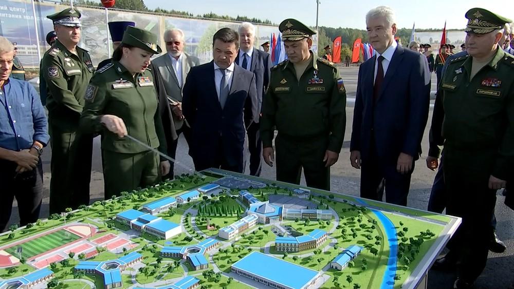 Сергей Шойгу и Сергей Собянин