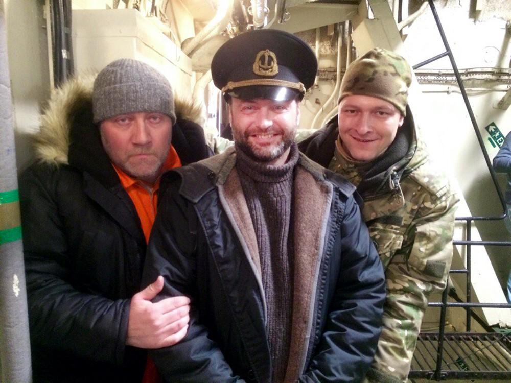 Актер Марк Горонок (в центре) на съемках фильма