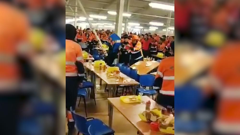 Массовая драка рабочих