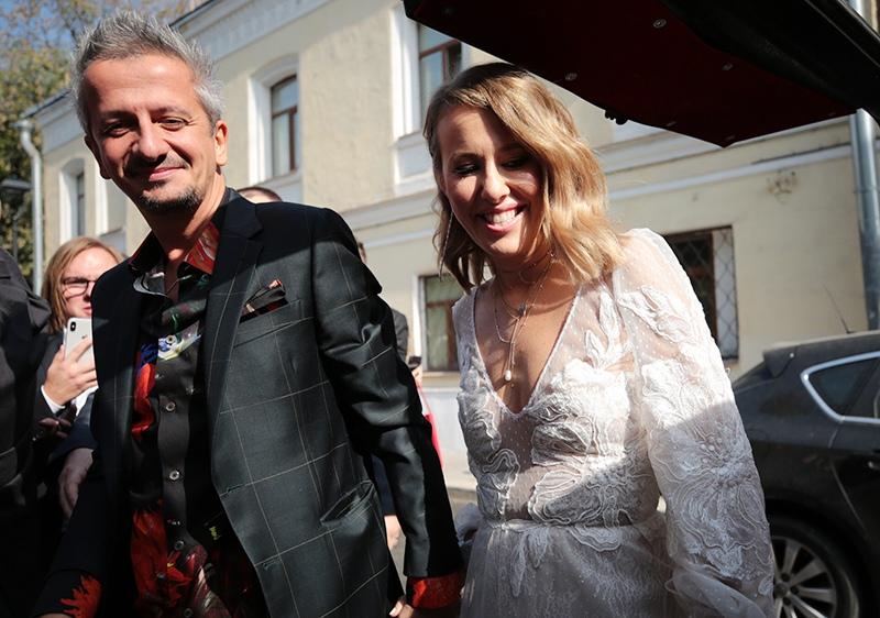 Ксения Собчак и Константин Богомолов на церемонии бракосочетания