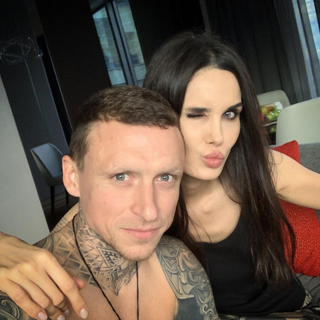 Павел Мамаев с супругой