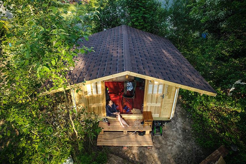 Деревянный дом на дачном участке