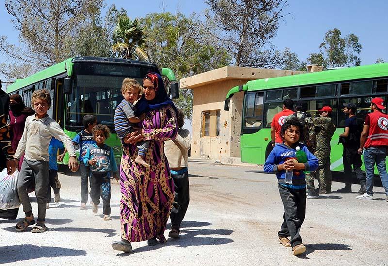 """Сирийские беженцы в лагере """"Рукбан"""""""