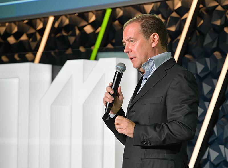 Рабочая поездка премьер-министра Дмитрия Медведева в Великий Новгород