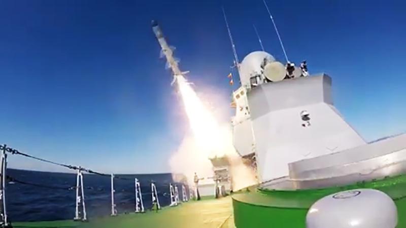 """Первый пуск крылатой ракеты Х-35 """"Уран"""" с малого ракетного корабля """"Смерч"""" в акватории Японского моря"""