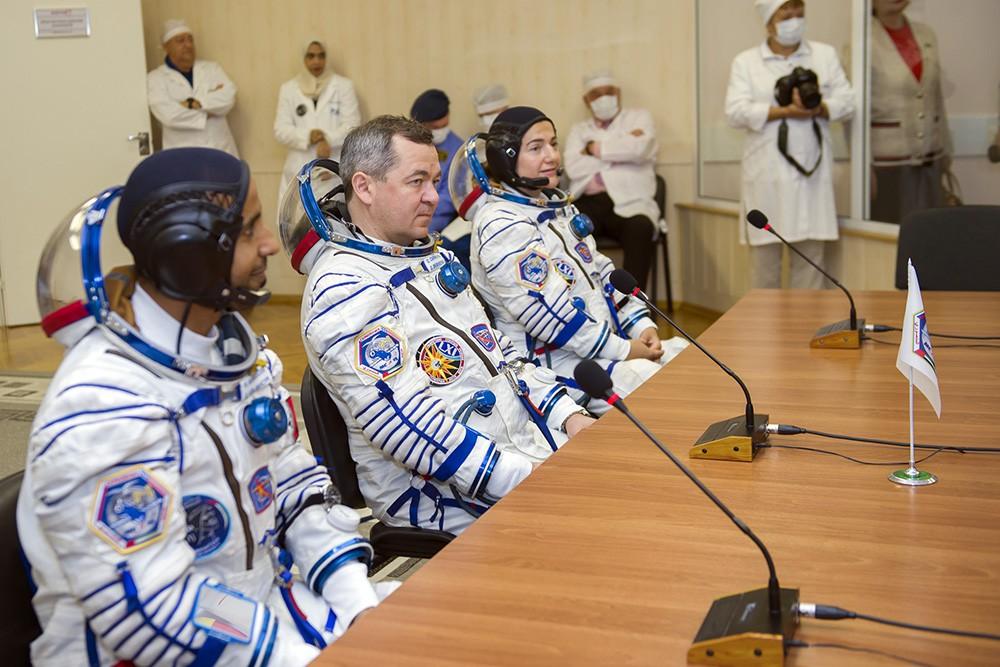 Члены основного экипажа экспедиции МКС-61/62