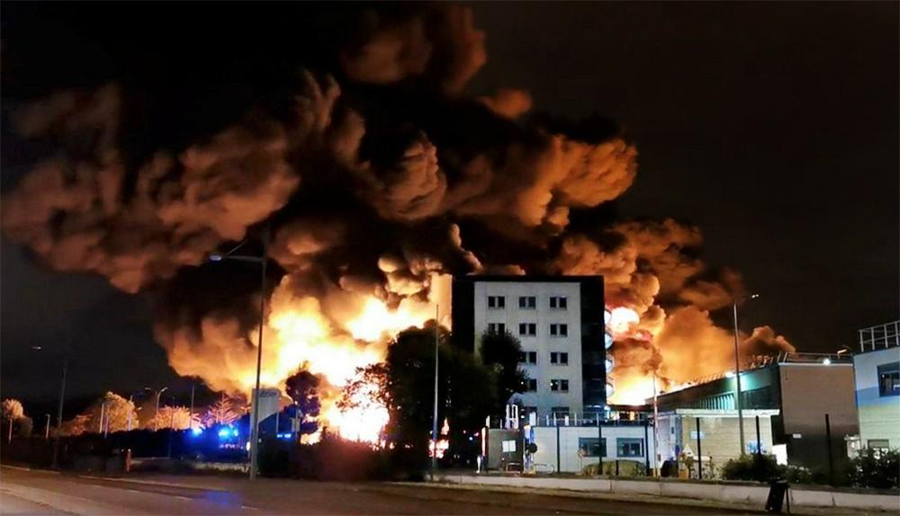 Пожар на заводе во Франции