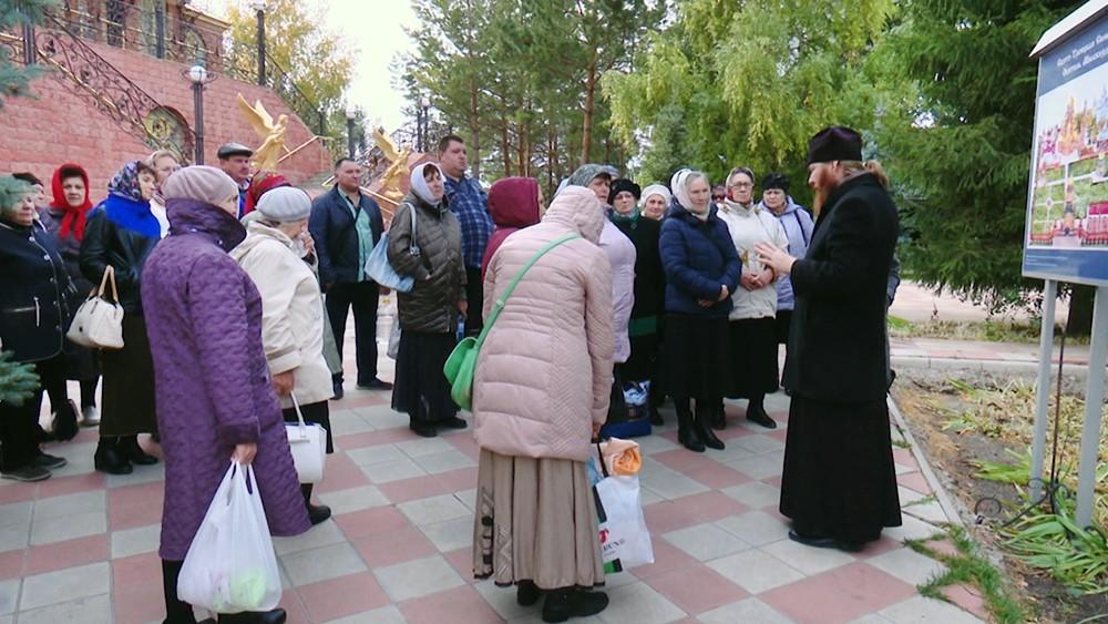 Прихожане  Свято-Троицкой обители милосердия в Оренбурге