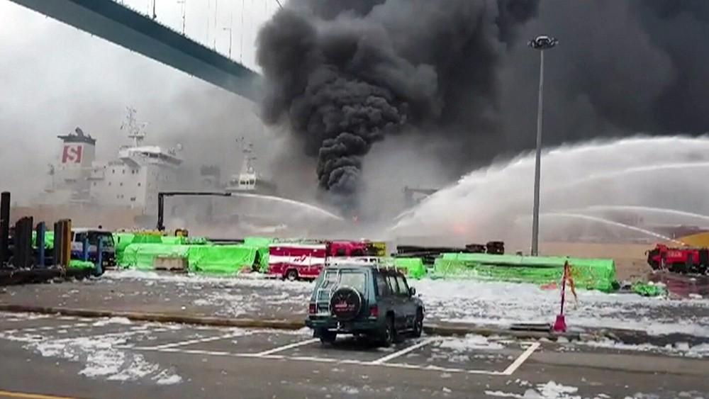 Пожар на судне в Южной Корее