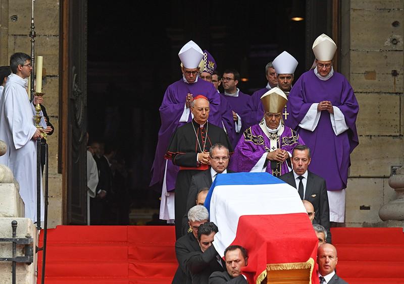 Окончание траурной церемонии прощания с бывшим президентом Франции Жаком Шираком