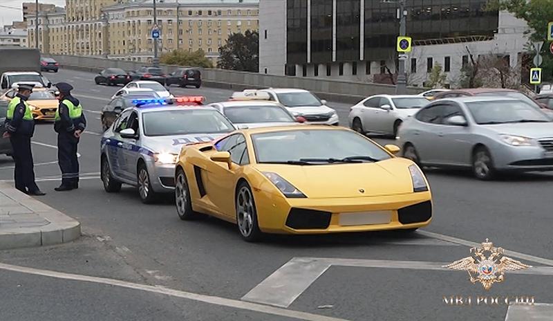 Полицейские задержали нарушителя