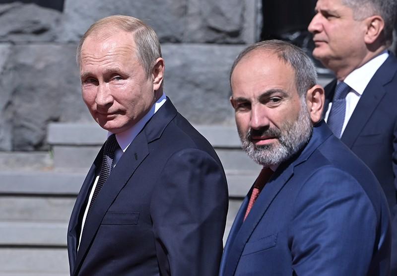 Пашинян похвастался селфи с Путиным в бронеавтомобиле :: Новости :: ТВ Центр