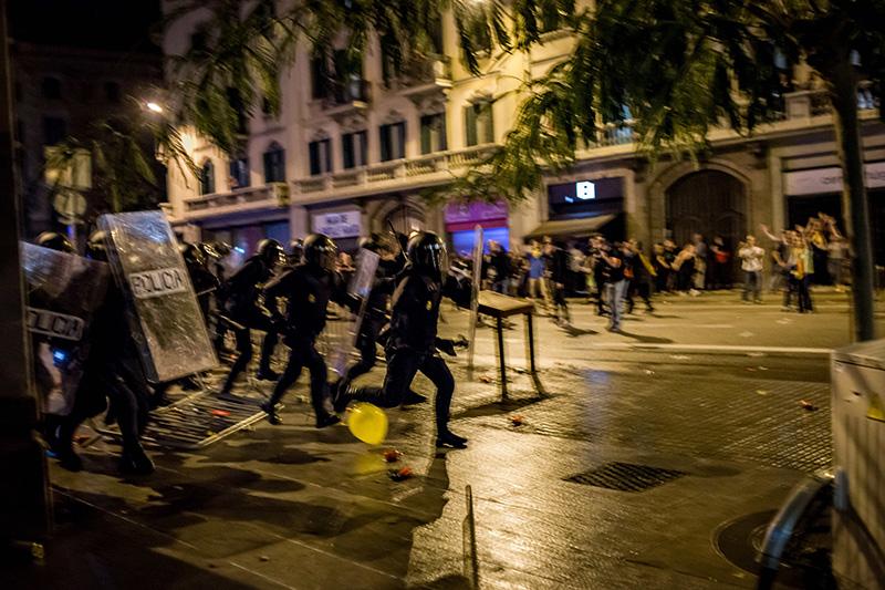Беспорядки в Каталонии