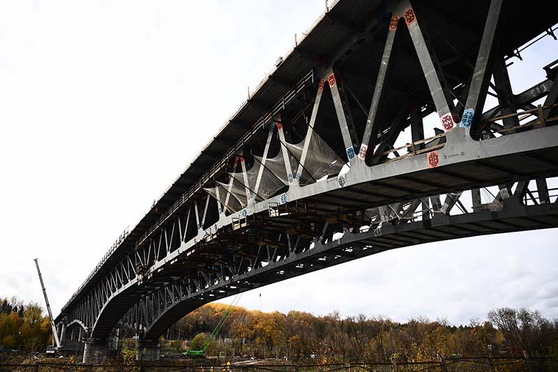Строительство моста через канал имени Москвы