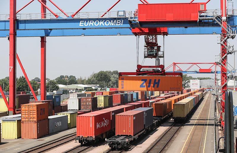 США ввели торговые санкции против Евросоюза