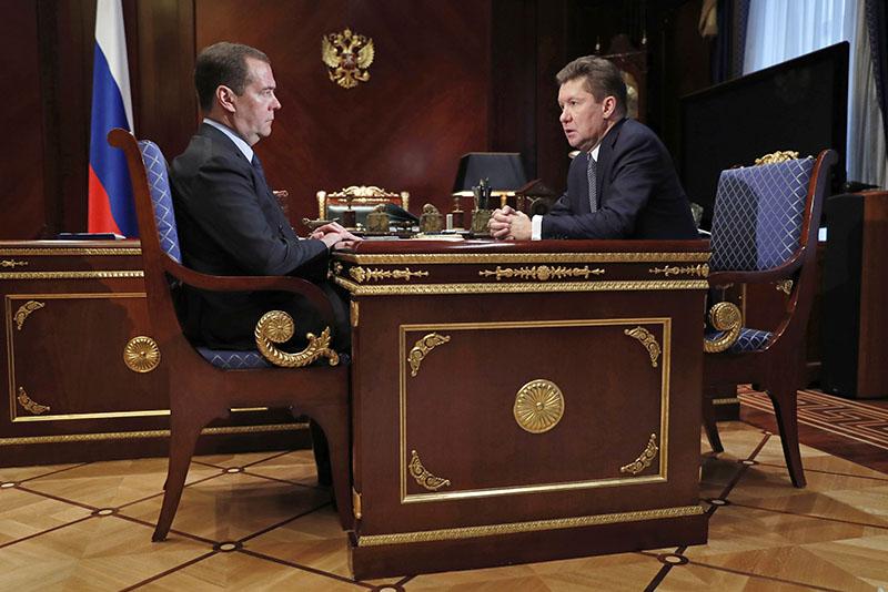 """Дмитрий Медведев и председатель правления компании """"Газпром"""" Алексей Миллер"""