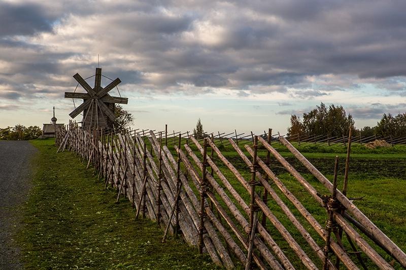 Владимиру Путину рассказали о воссоздании исторических поселений