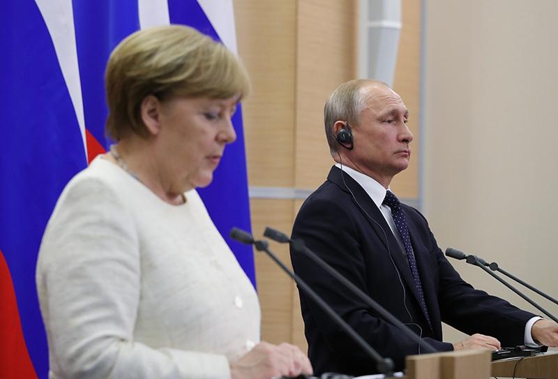 Владимир Путин и федеральный канцлер ФРГ Ангела Меркель