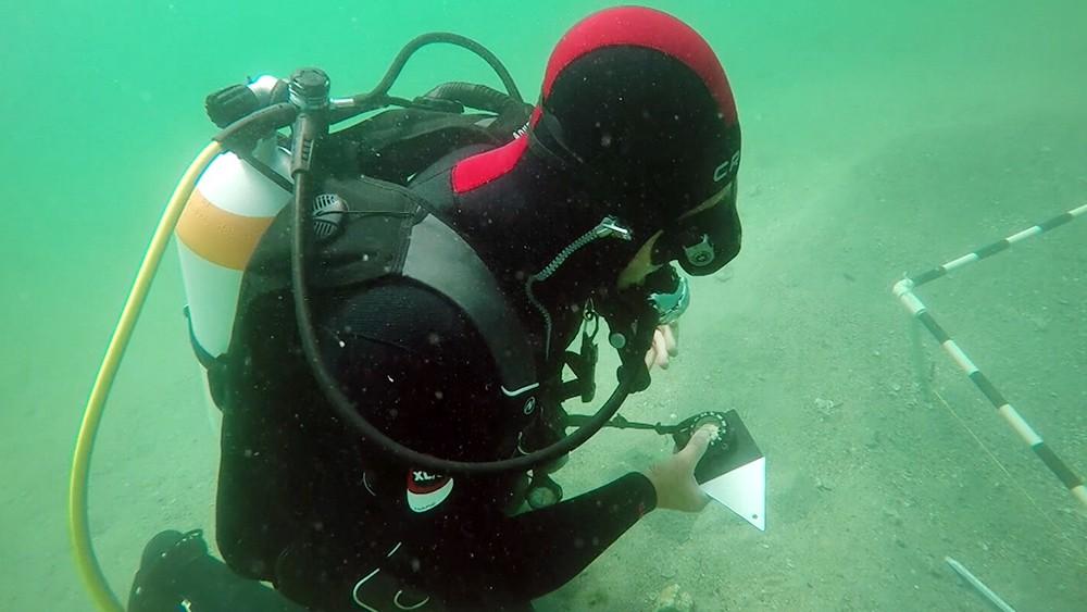 Археологи ведут подводные раскопки в Крыму
