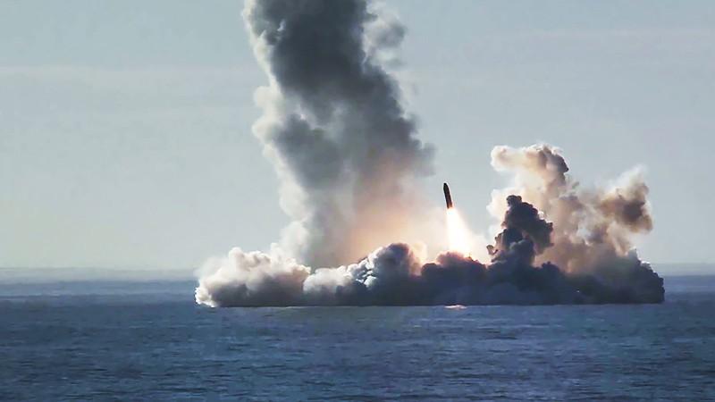 Запуск ракеты с подводной лодки