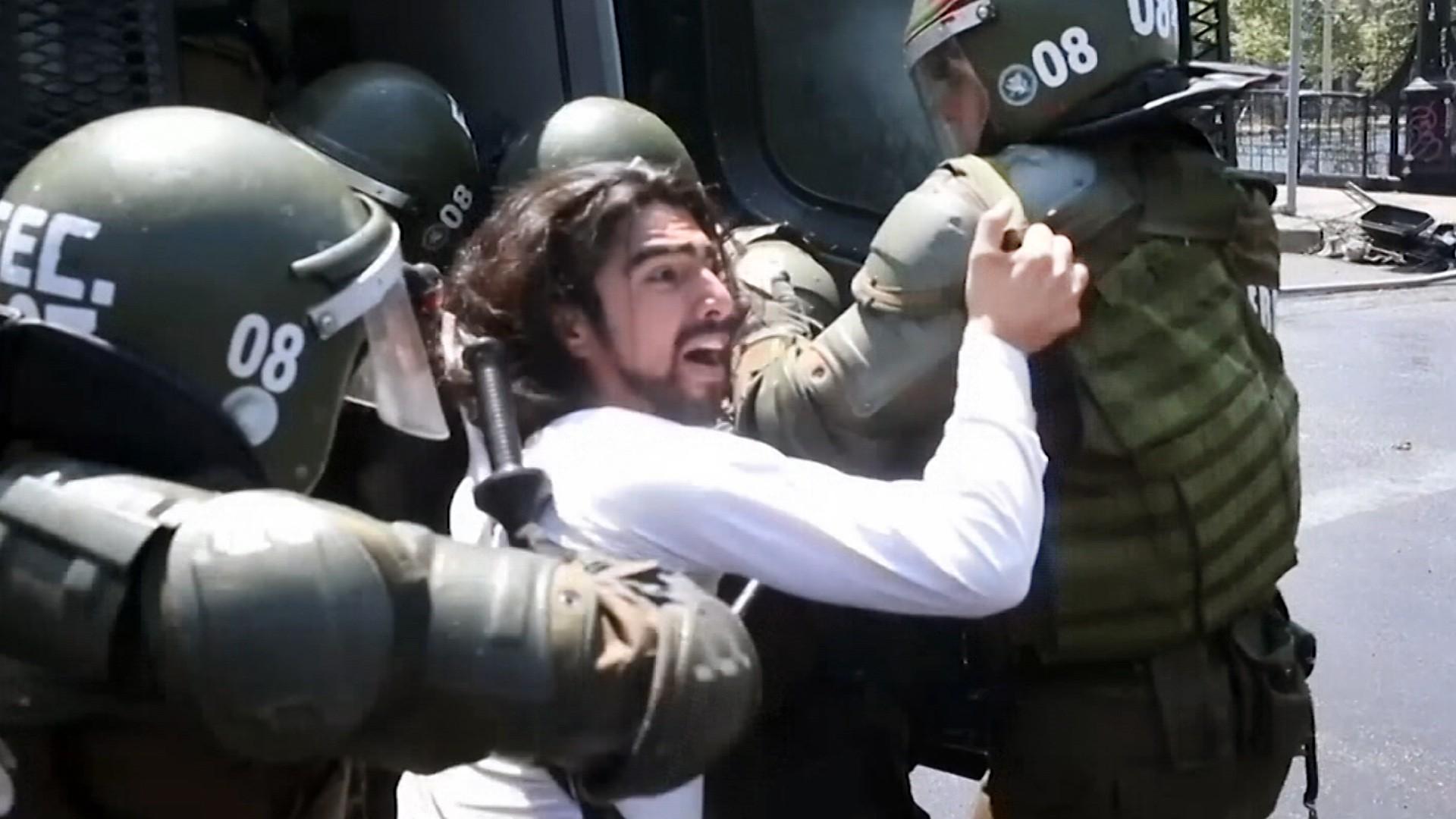 Уличные беспорядки в Чили