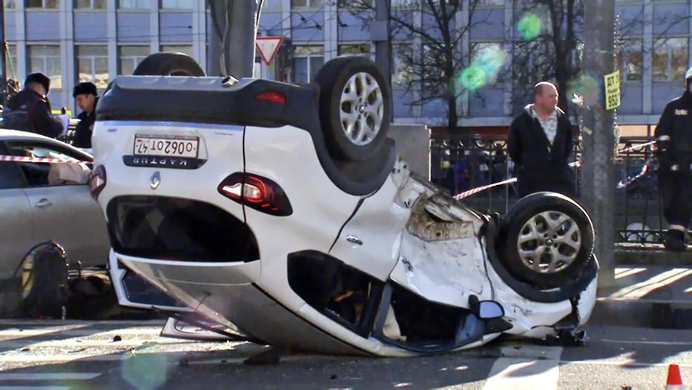 Последствия ДТП в Санкт-Петербурге