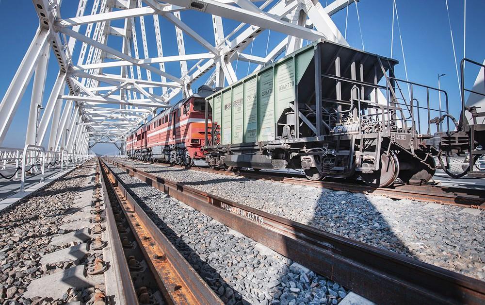 Железнодорожная часть Крымского моста