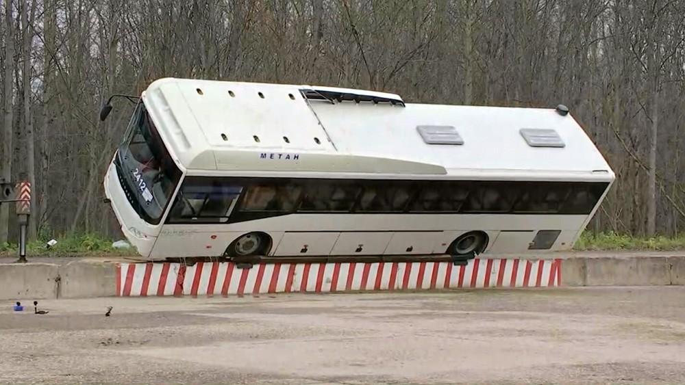Тестирование автобуса на прочность