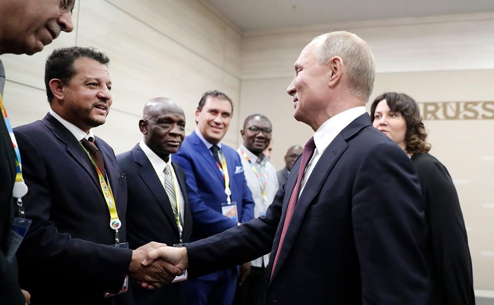 Владимир Путин на встрече с руководителями африканских информагентств