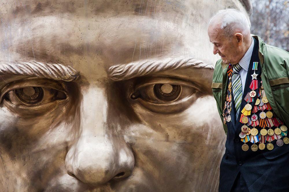 Отливка бронзовой фигуры солдата для Ржевского мемориального комплекса