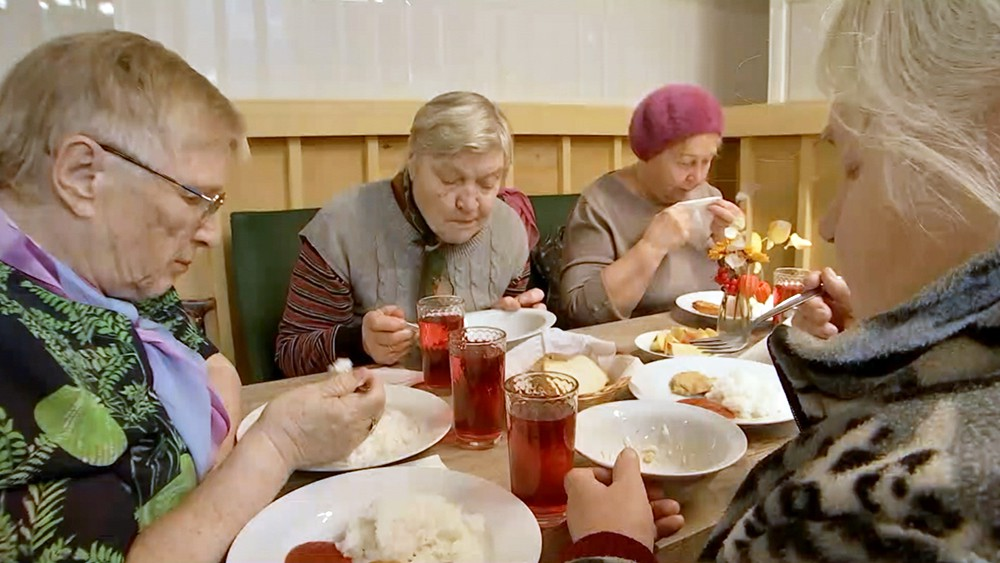 Благотворительная столовая для пенсионеров
