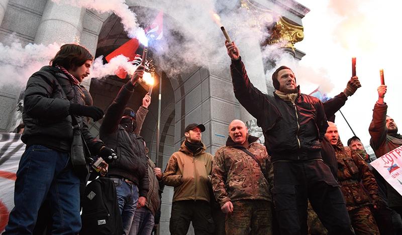 Радикалы в Киеве
