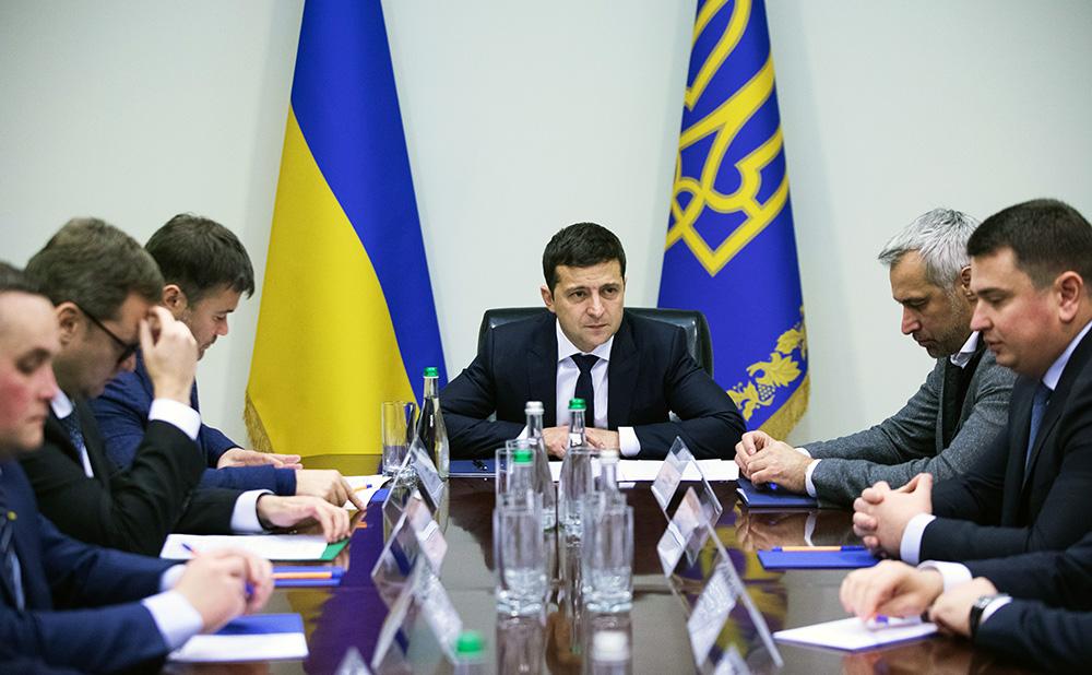 Президент Украины Владимир Зеленский проводит заседание